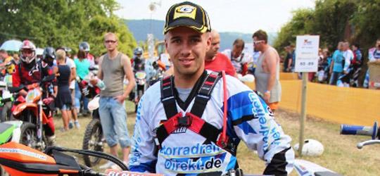 Mit nur 6 Punkten Abstand zu Dominik Pleyer ist für MotorradreifenDirekt.de-Fahrer Benedikt Müller in der Junioren-Meisterschaft noch alles möglich.