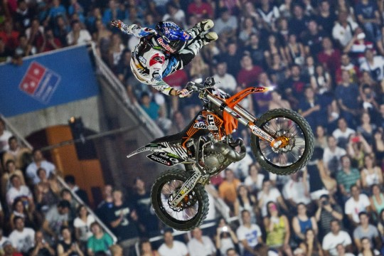 Levi-Sherwood-Action_Madrid2013cDaniel-Grund_Red-Bull-Content-Pool