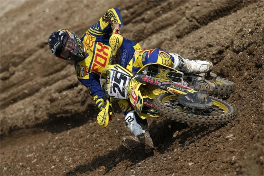 Clement Desalle ( www.suzuki-racing.com  )