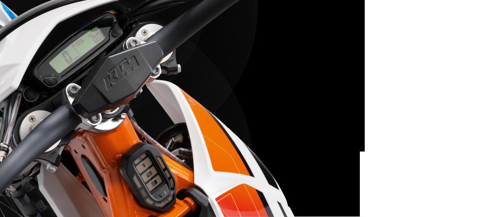 ECU & DISPLAY Die Hochleistungs-ECU ist das 'Gehirn' des FREERIDE E-Motors. Die flüssigkeitsgekühlte ECU stellt in allen Fahrsituationen eine sofortige und optimal nutzbare Leistungsentfaltung sicher. Alle wichtigen Daten der FREERIDE E auf einen Blick. Geschwindigkeit, Akkuladestand und Leistungsmodus sind nur drei der vielen Funktionen des einfach abzulesenden Displays.