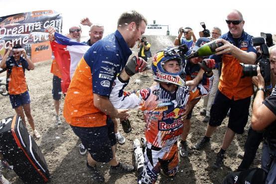 Tixier gewinnt den MX2-Weltmeistertitel in einem dramatischen letzten Rennen