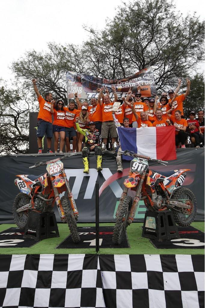 Red Bull KTM Factory Racing Weltmeister 2014: Jordi Tixier (MX2) & Tony Cairoli (MXGP)