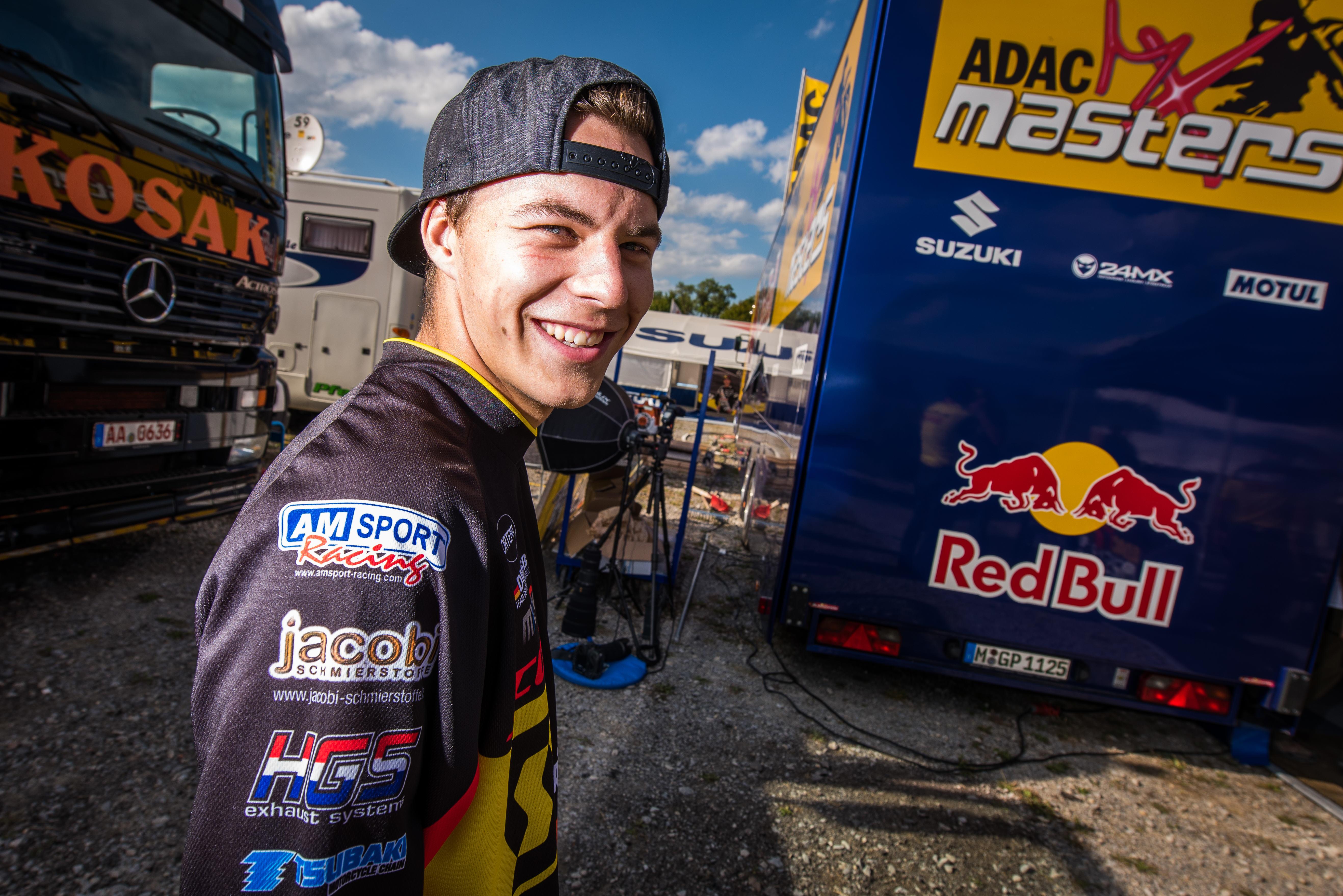 Jacobi kämpft sich trotz Handicap durch zwei Rennen