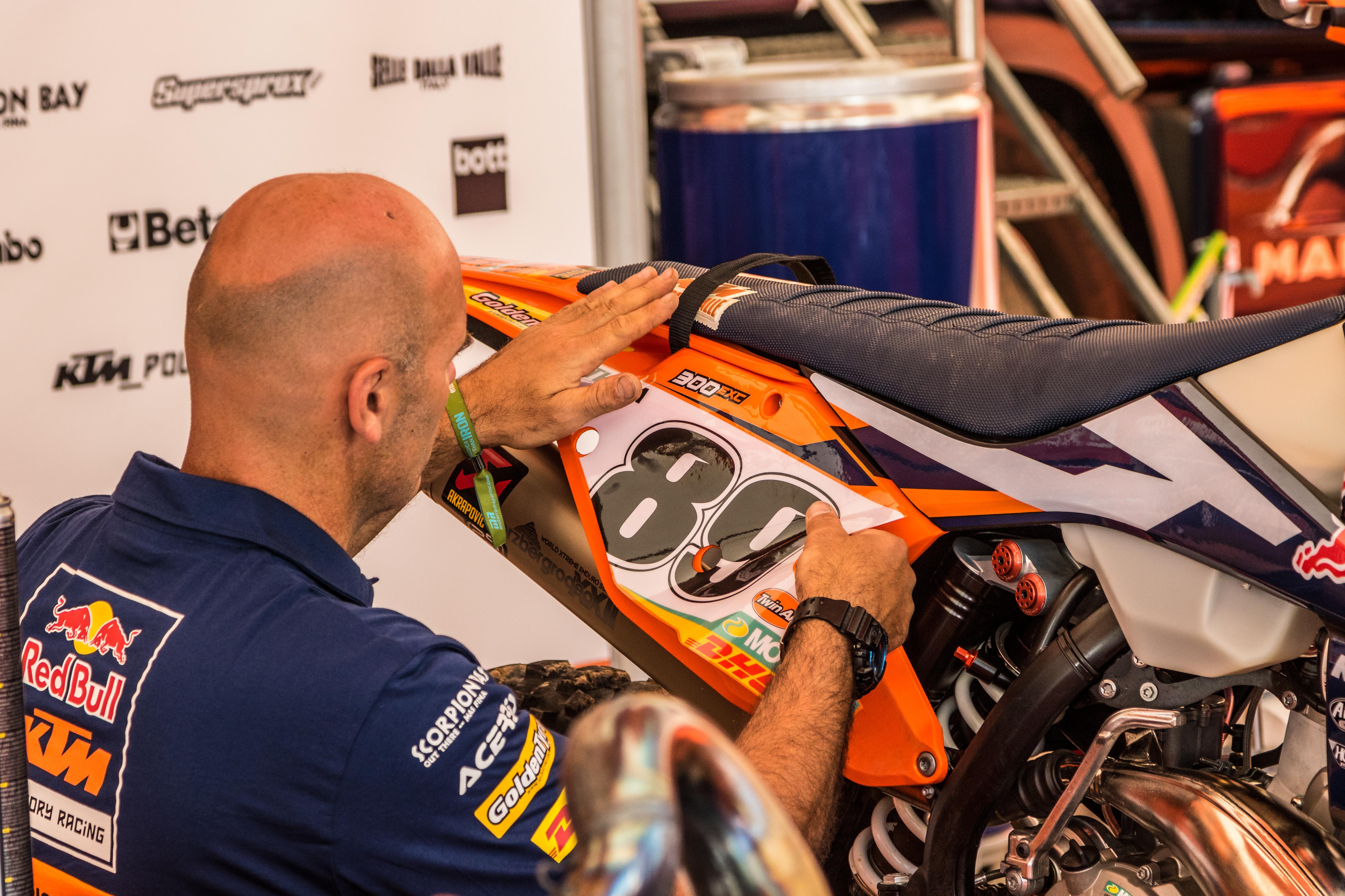 Letzte Vorbereitungen beim KTM-Werksteam